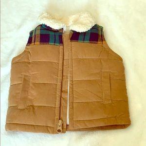 Baby boy Old Navy puffer vest 0-3m